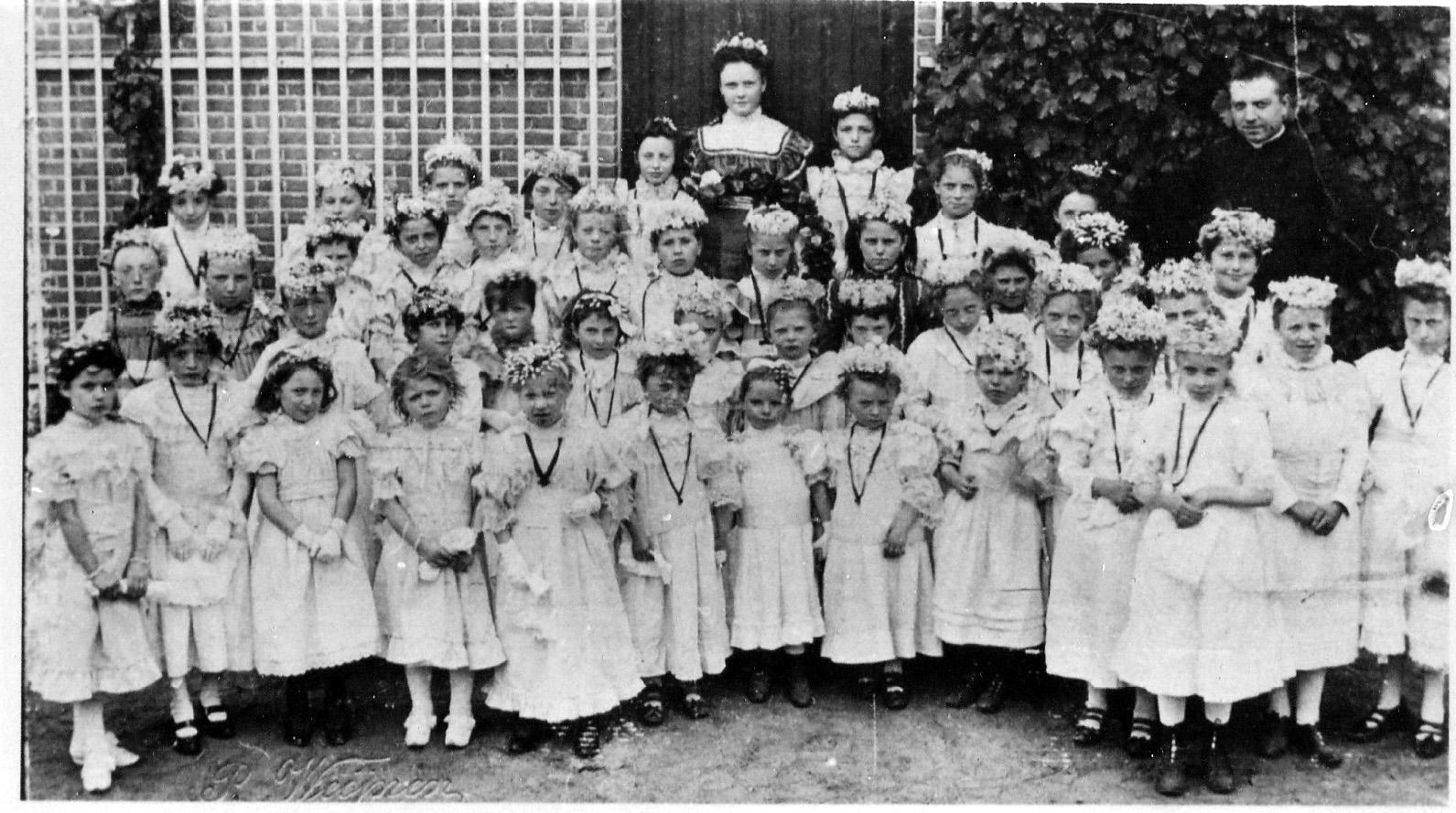 ca1901 Heilige Kindsheid processie (6-7)