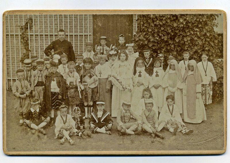 ca1901 Heilige Kindsheid processie (7-7)