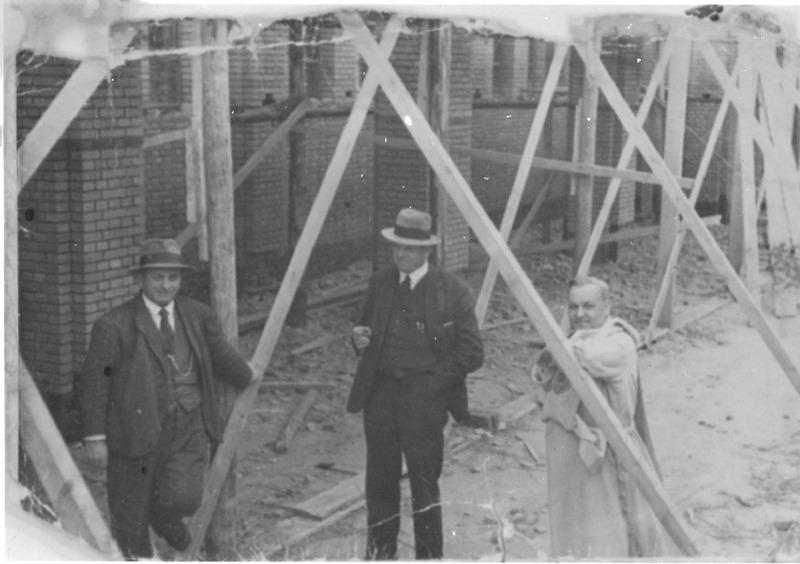 1933 Christ  van Lamoen, links. Had met Pennings een aannemersbedrijf