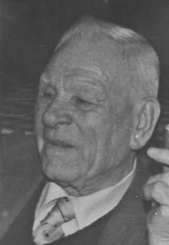 ca1960 Thé van den Oetelaaar [Thė de Ref] rijfenmaker, verzekeringsagent,
