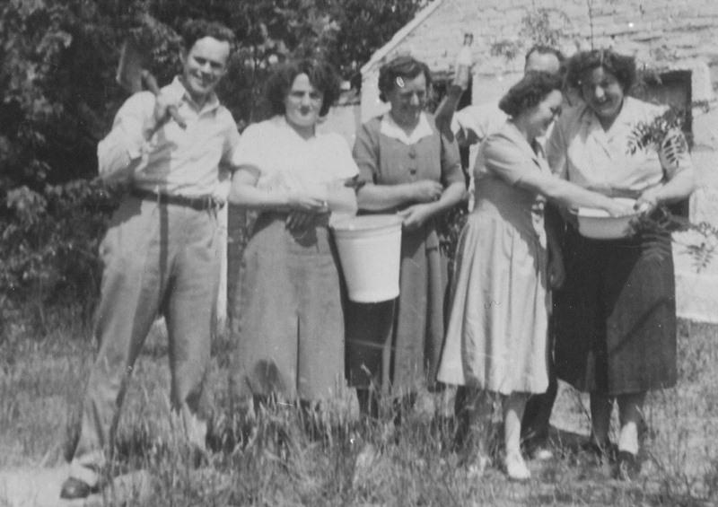 ca1930 Bij de wasserij van Hannes van der Heijden