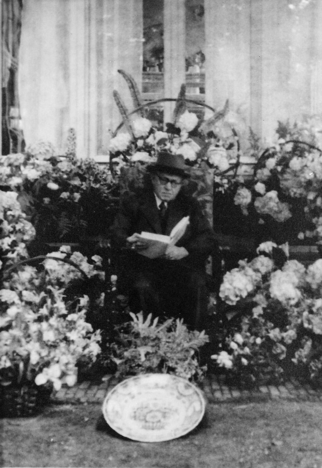 ca1940 Dr. K.S.H [Kareltje] Verzijl  1903 – 1943  dokter in Gestel ,
