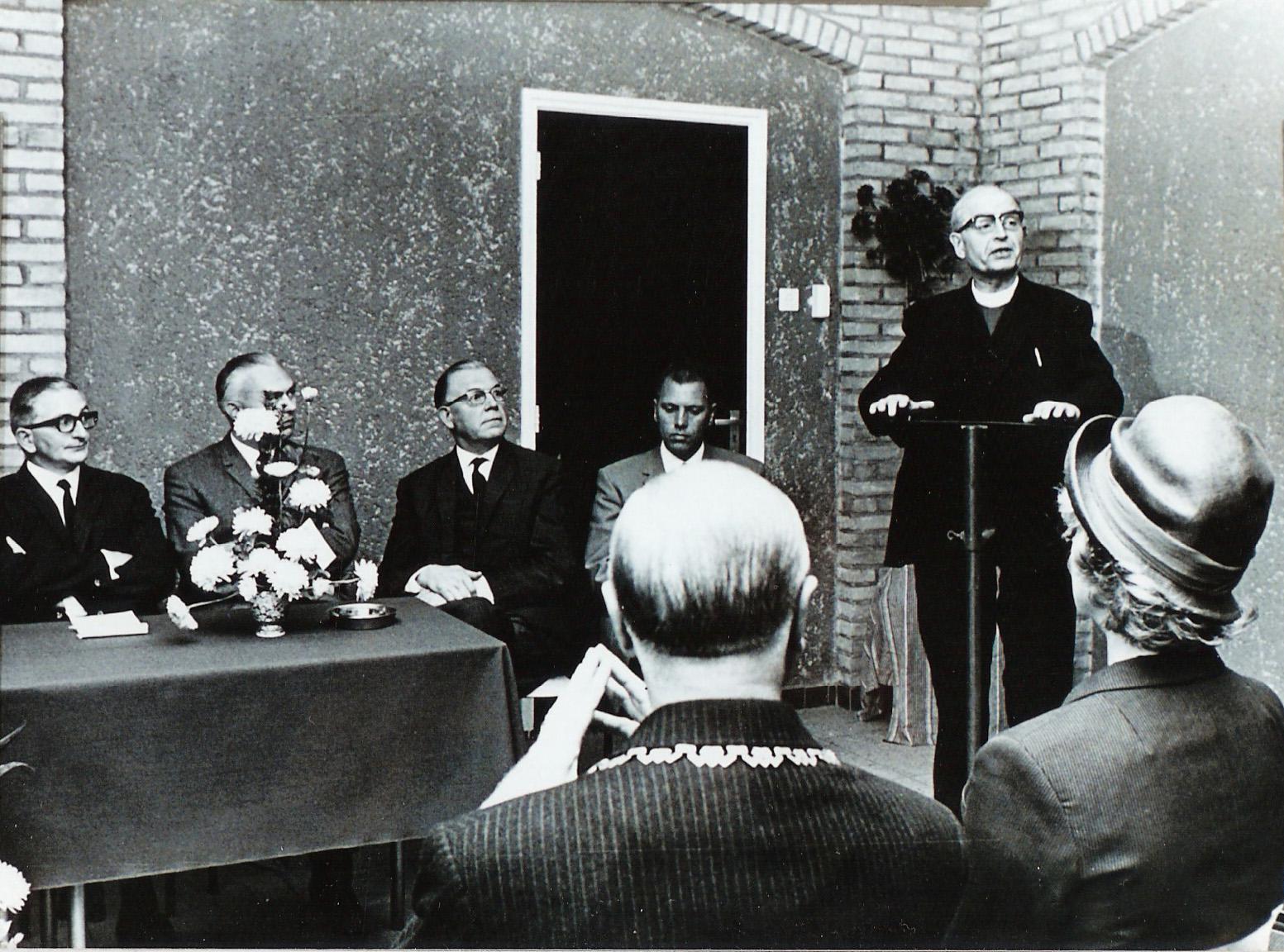 1967 Opening in 2 sept 1967 Wit/Gele kruis gebouw, aan de Nieuwstraat