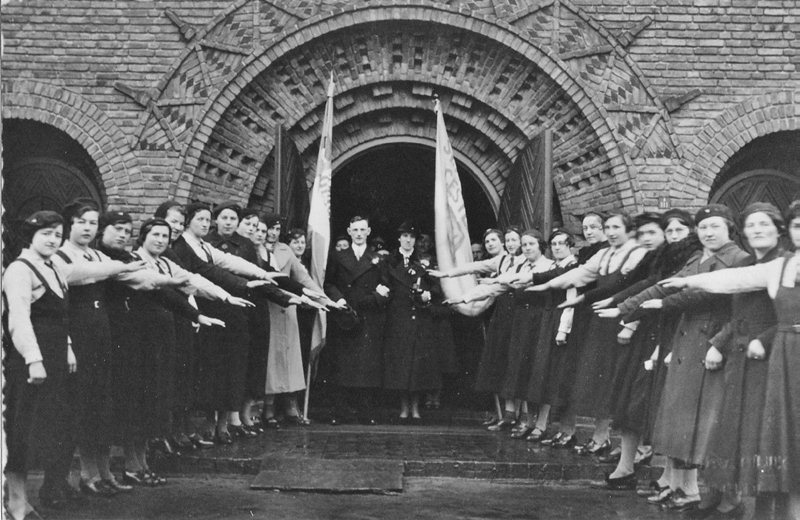 ca1940 Bruidspaar Frans van Breugel en Nolda van den Heuvel, en boerinnenbond,
