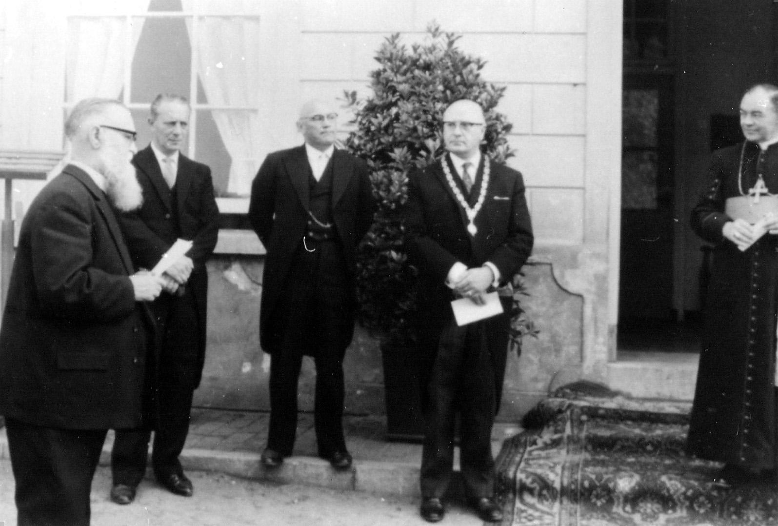 30 mei 1964 Plechtigheid op Nieuw Herlaar i.v.m. inwijding Christofoor kerk