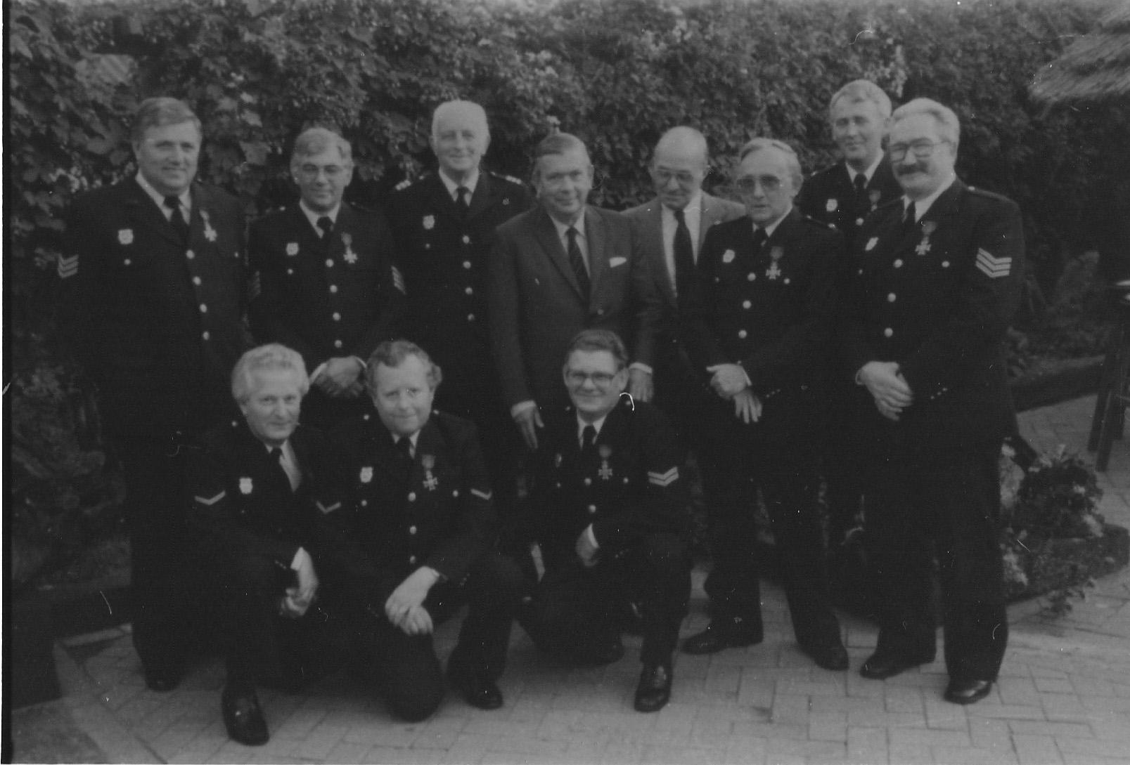 ca1983 Brandweer achter vd Meijden, geridderd