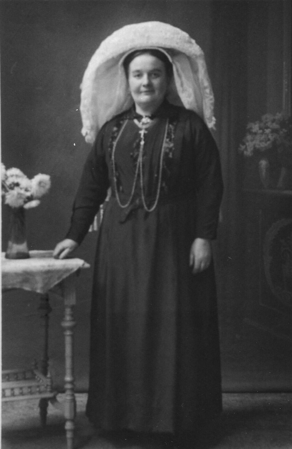 ca1925 Goke [Margo] van Aggelen, zelatrice [weldoenster van de kerk]