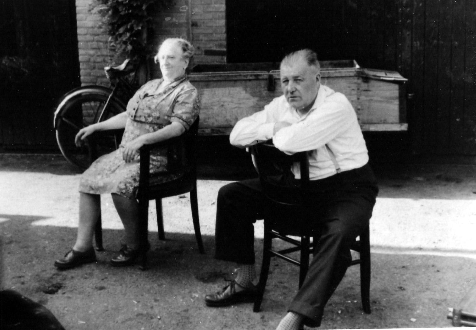 ca1960 Jan van Osch 1908 +1968 en Grada Knicknie 1894 +1980