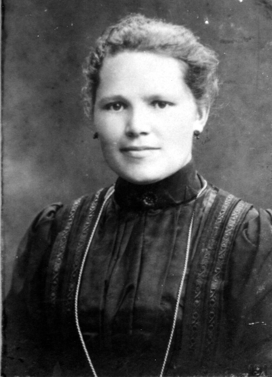 ca1910 Anna Maria (Marie) van der Donk 1886 +1968, gehuwd met Nardus van Boxtel