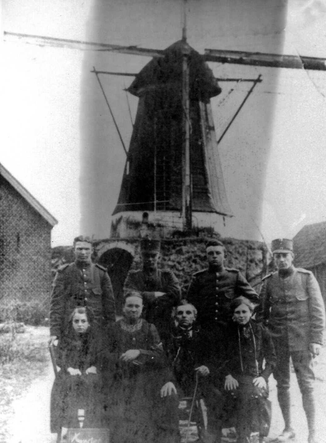 ca1915 Houten korenmolen in de Stokhoek