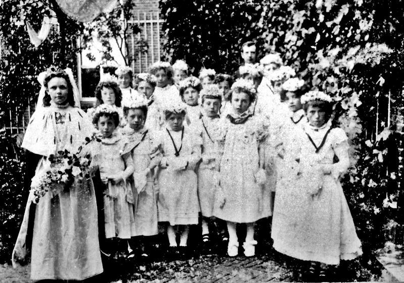 ca1900 Heilige Kindsheid processie (2-3)