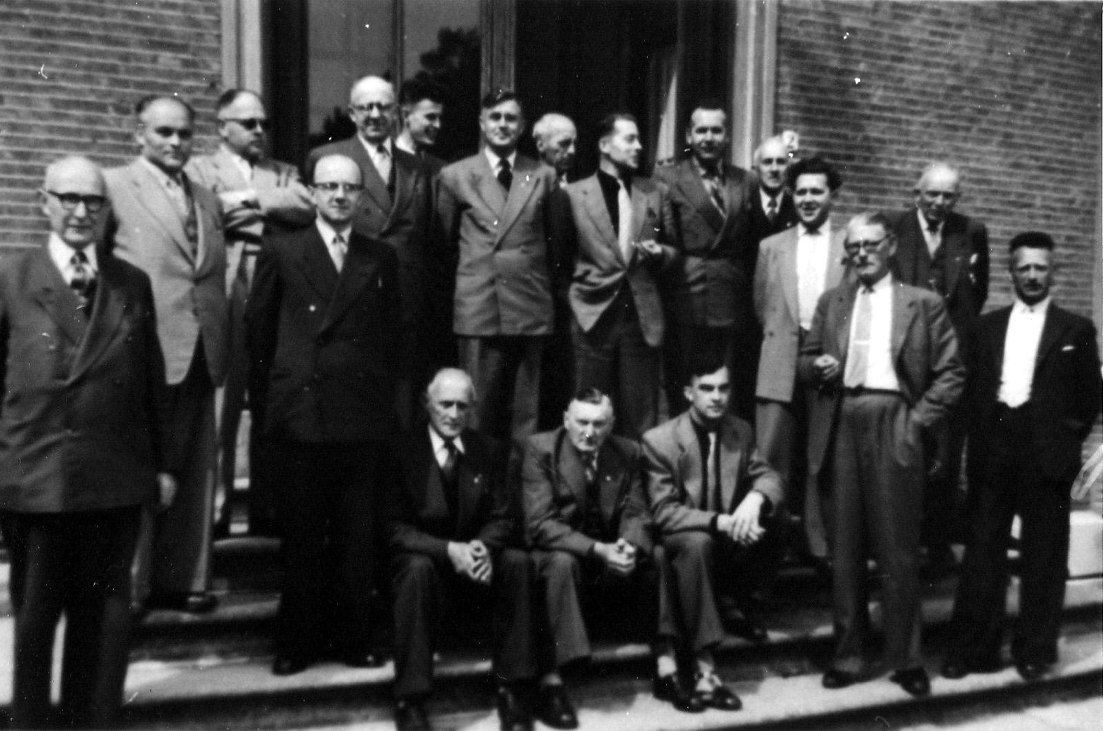 1939 Bescherming Bevolking met links voorzitter Sjef van Rooij