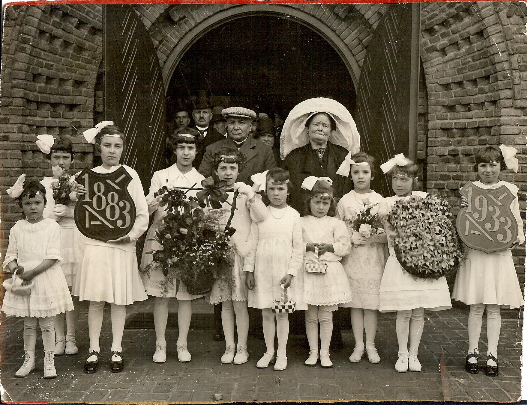 2 mei 1933 Gouden huwelijk van Arnoldus van der Heijden en Antoinetta van der Heijden-Raaijmakers