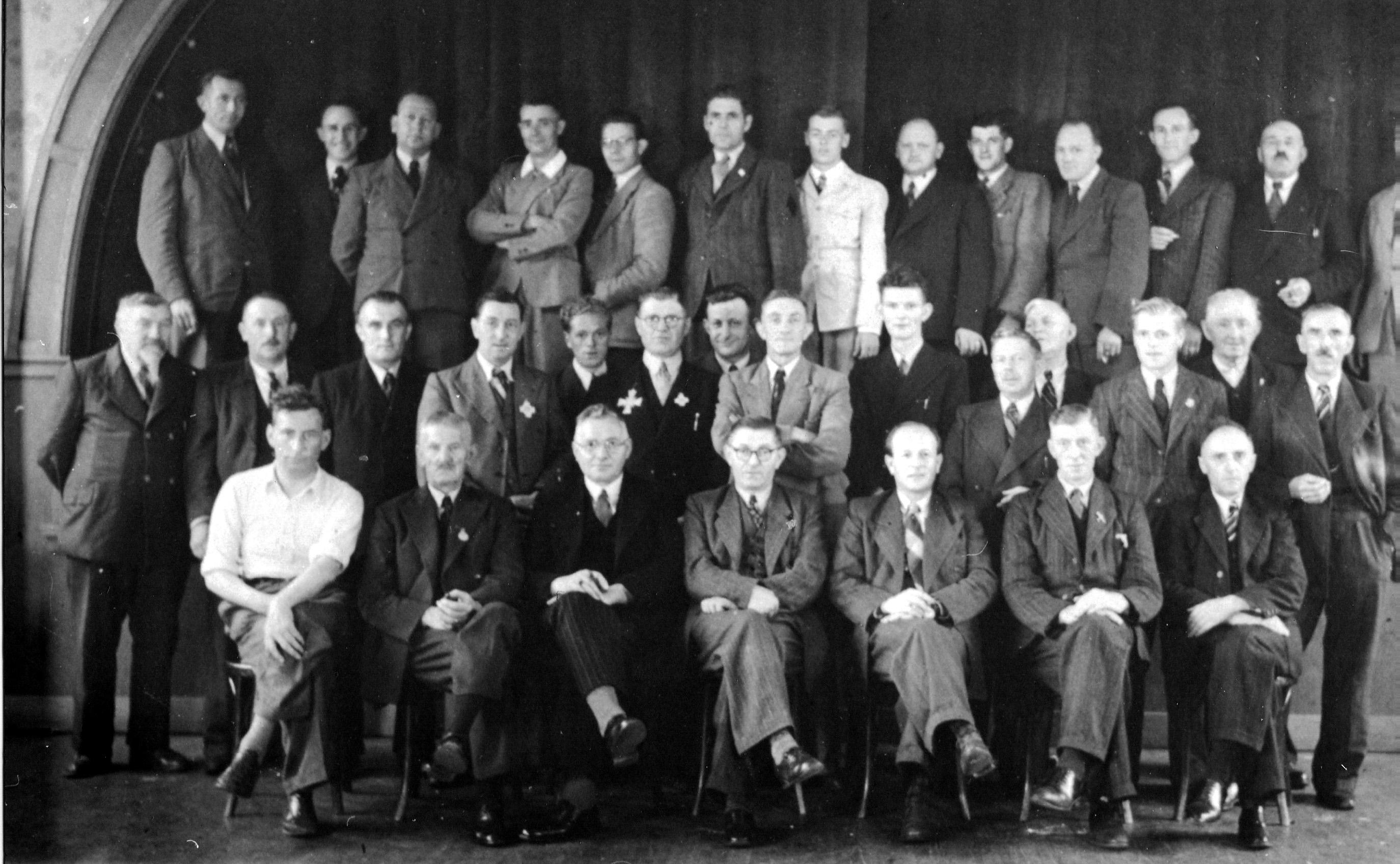 8 mei 1949  Handboogschutterij Wilhelmina gevestigd in de Drie  Zwaantjes, 25 jaar jubileum