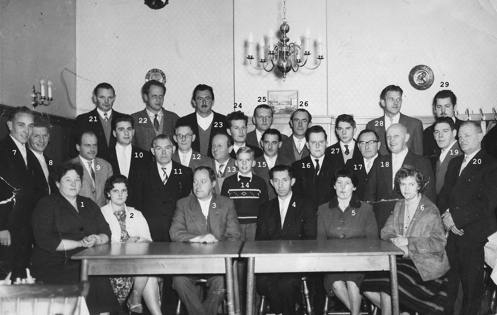 ca1960 Gestelse winkeliers bij de Drie Zwaantjes