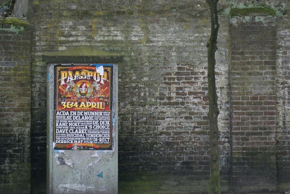 2014 RAADSELACHTIGE  TEKSTEN op de muur van Overberg. Wie kan het lezen of weet daarover meer