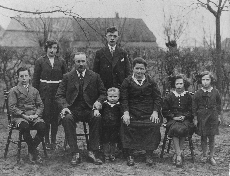 Ca1932 Gezin Wilhelmus (Hermus) Sterks en Dina van Breugel(gehuwd 9-1-1919)